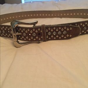Guess belt with crystals. Very good condition.